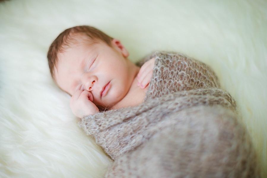 fotografin-newbornshooting-neugeborenes-babyshooting-babyfotos-schwangerschaftsshooting-aachen-herzogenrath-uebach-palenberg-geilenkirchen-koeln-duesseldorf-heinsberg-nrw-blog_002