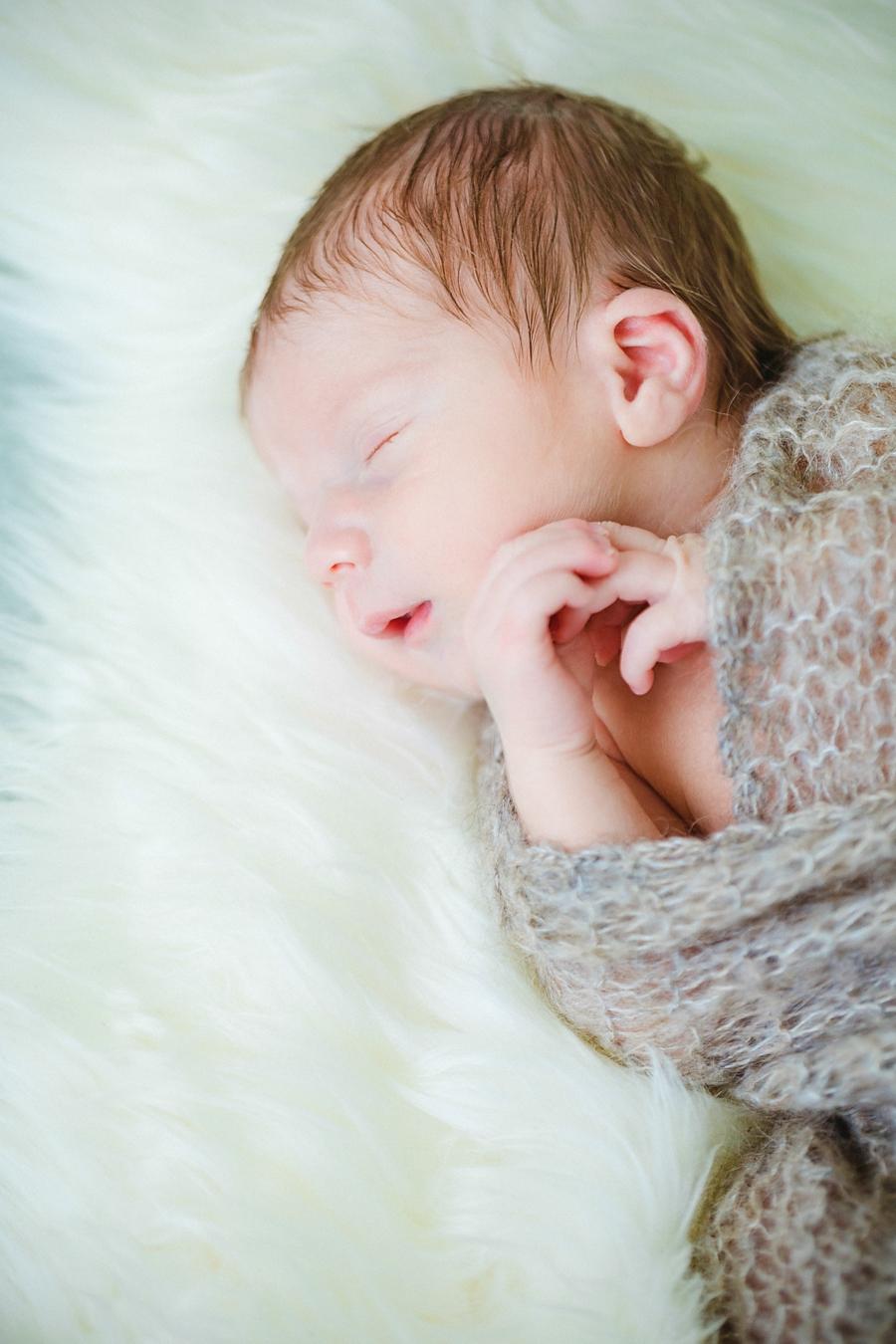 fotografin-newbornshooting-neugeborenes-babyshooting-babyfotos-schwangerschaftsshooting-aachen-herzogenrath-uebach-palenberg-geilenkirchen-koeln-duesseldorf-heinsberg-nrw-blog_002_