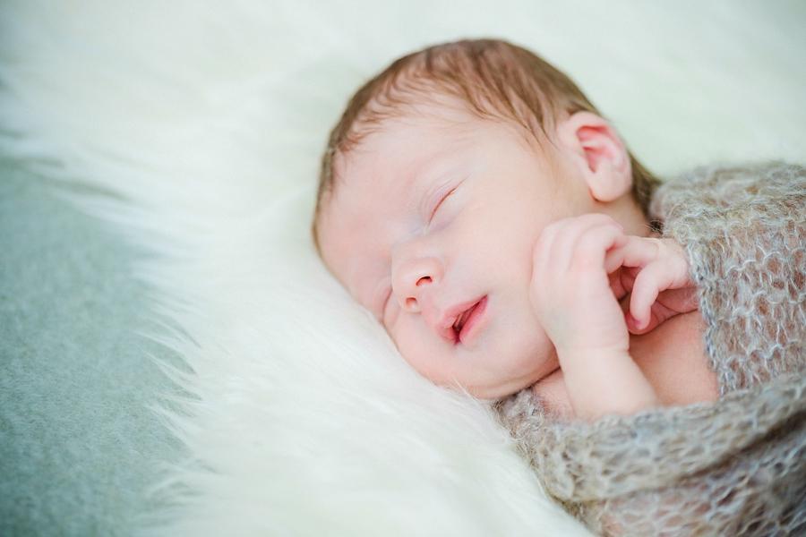 fotografin-newbornshooting-neugeborenes-babyshooting-babyfotos-schwangerschaftsshooting-aachen-herzogenrath-uebach-palenberg-geilenkirchen-koeln-duesseldorf-heinsberg-nrw-blog_003