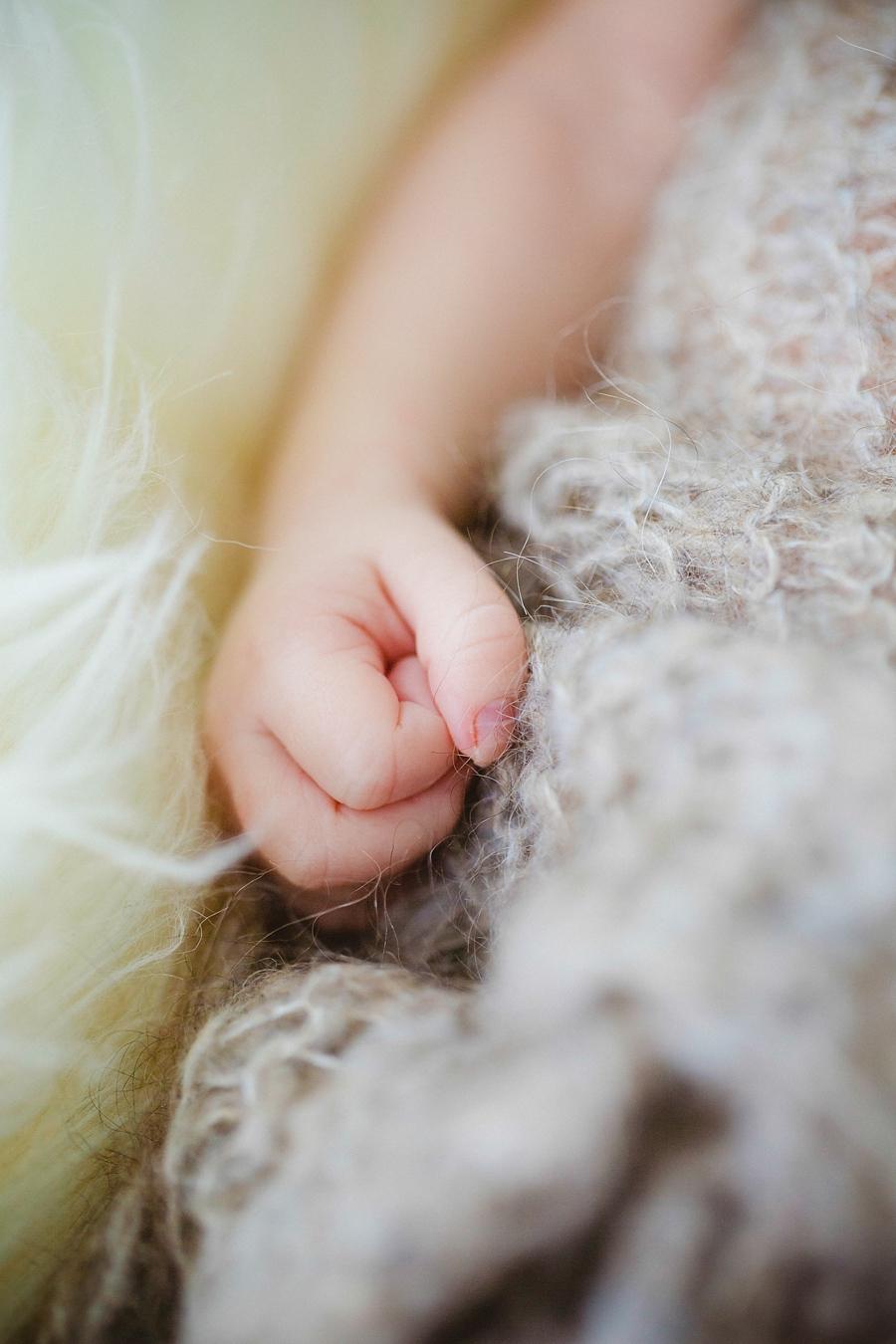 fotografin-newbornshooting-neugeborenes-babyshooting-babyfotos-schwangerschaftsshooting-aachen-herzogenrath-uebach-palenberg-geilenkirchen-koeln-duesseldorf-heinsberg-nrw-blog_007