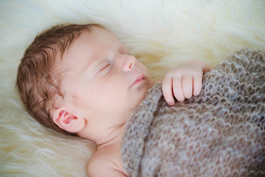 fotografin-newbornshooting-neugeborenes-babyshooting-babyfotos-schwangerschaftsshooting-aachen-herzogenrath-uebach-palenberg-geilenkirchen-koeln-duesseldorf-heinsberg-nrw-blog_010
