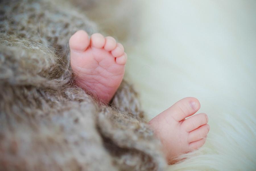 fotografin-newbornshooting-neugeborenes-babyshooting-babyfotos-schwangerschaftsshooting-aachen-herzogenrath-uebach-palenberg-geilenkirchen-koeln-duesseldorf-heinsberg-nrw-blog_011