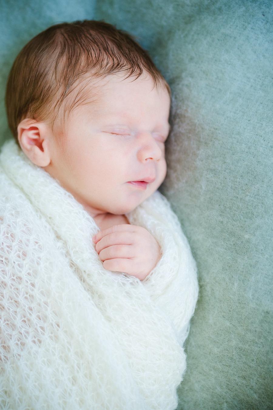 fotografin-newbornshooting-neugeborenes-babyshooting-babyfotos-schwangerschaftsshooting-aachen-herzogenrath-uebach-palenberg-geilenkirchen-koeln-duesseldorf-heinsberg-nrw-blog_015