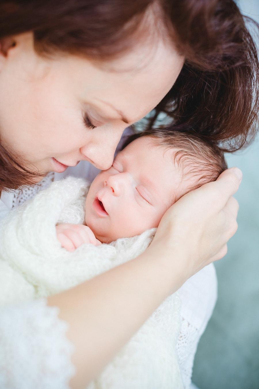 fotografin-newbornshooting-neugeborenes-babyshooting-babyfotos-schwangerschaftsshooting-aachen-herzogenrath-uebach-palenberg-geilenkirchen-koeln-duesseldorf-heinsberg-nrw-blog_019