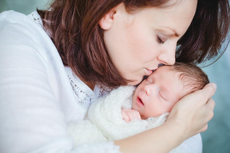fotografin-newbornshooting-neugeborenes-babyshooting-babyfotos-schwangerschaftsshooting-aachen-herzogenrath-uebach-palenberg-geilenkirchen-koeln-duesseldorf-heinsberg-nrw-blog_020