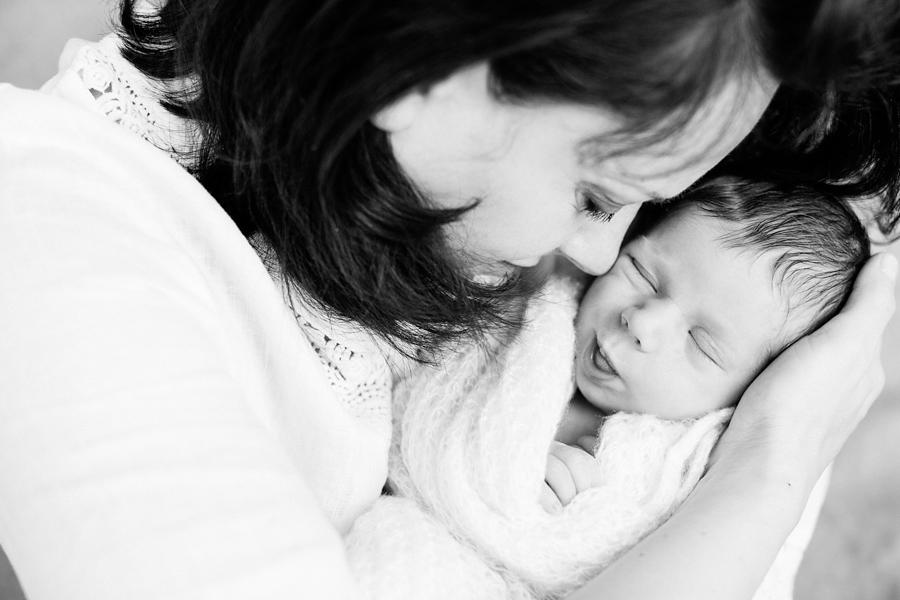 fotografin-newbornshooting-neugeborenes-babyshooting-babyfotos-schwangerschaftsshooting-aachen-herzogenrath-uebach-palenberg-geilenkirchen-koeln-duesseldorf-heinsberg-nrw-blog_023