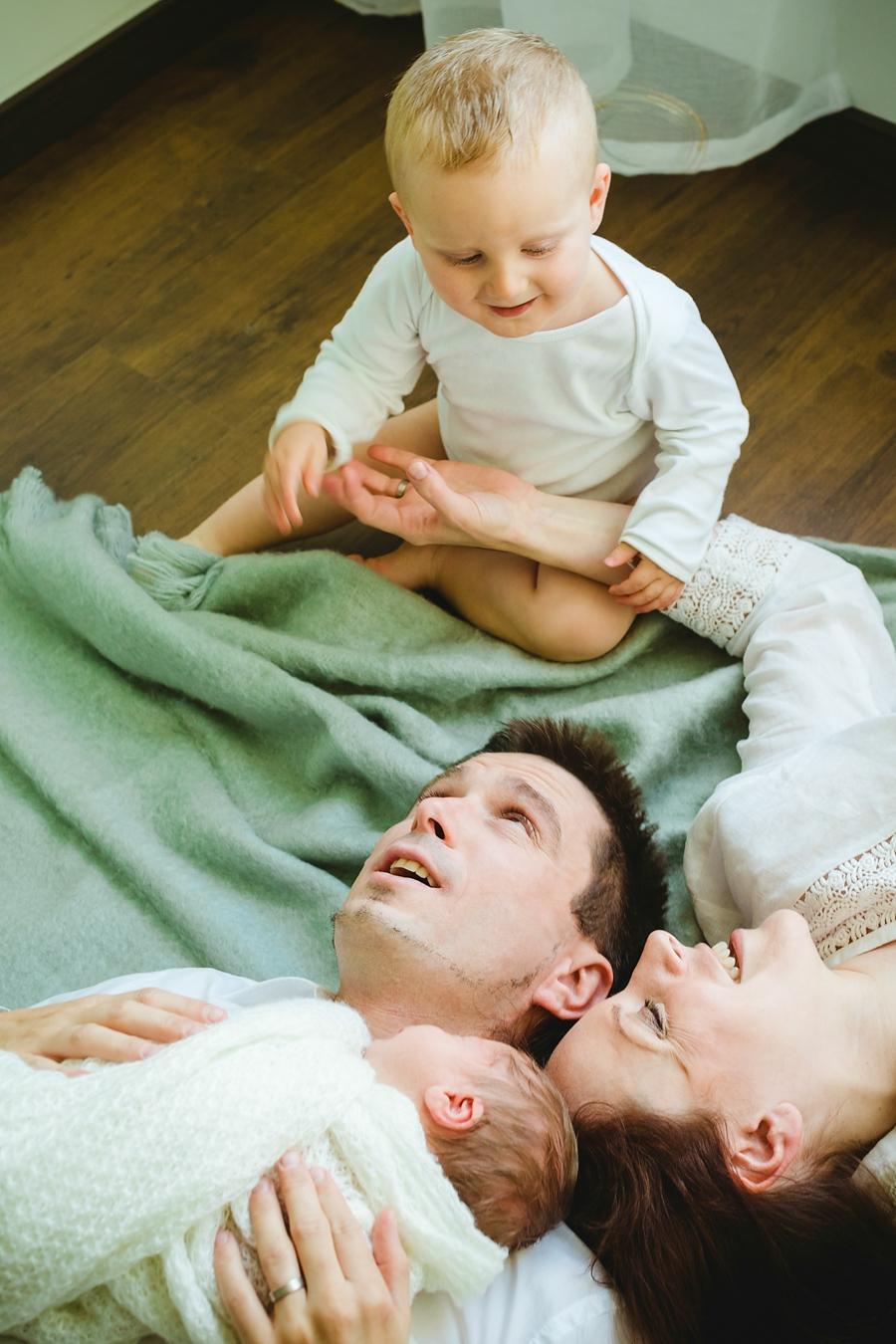 fotografin-newbornshooting-neugeborenes-babyshooting-babyfotos-schwangerschaftsshooting-aachen-herzogenrath-uebach-palenberg-geilenkirchen-koeln-duesseldorf-heinsberg-nrw-blog_028