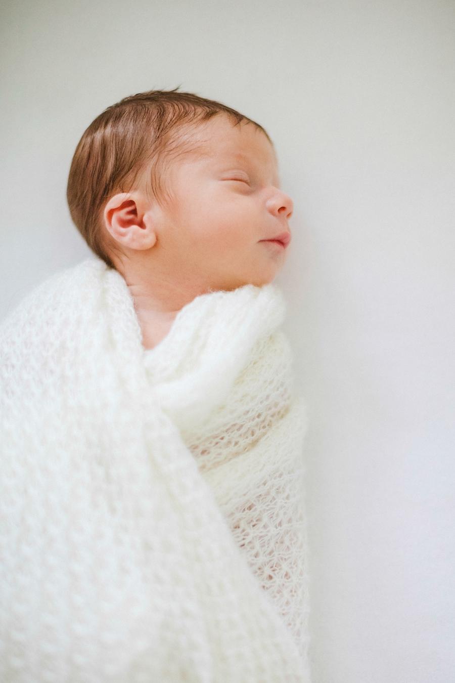 fotografin-newbornshooting-neugeborenes-babyshooting-babyfotos-schwangerschaftsshooting-aachen-herzogenrath-uebach-palenberg-geilenkirchen-koeln-duesseldorf-heinsberg-nrw-blog_034