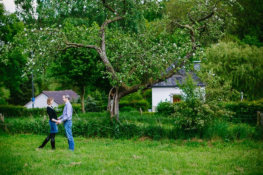 engagementshooting-paarshooting-hochzeitsfotografin-fotografin-aachen-sieben-quellen-hof-seffent-nrw-geilenkirchen-uebach-palenberg-eschweiler-duesseldorf-koeln-heinsberg-blog_048
