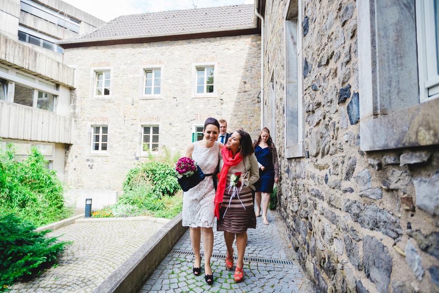 hochzeitsfotografin-duesseldorf-ratingen-auermuehle-liebevoll-standesamt-aachen-koeln-uebach-palenberg-geilenkirchen-heinsberg-nrw-blog_029